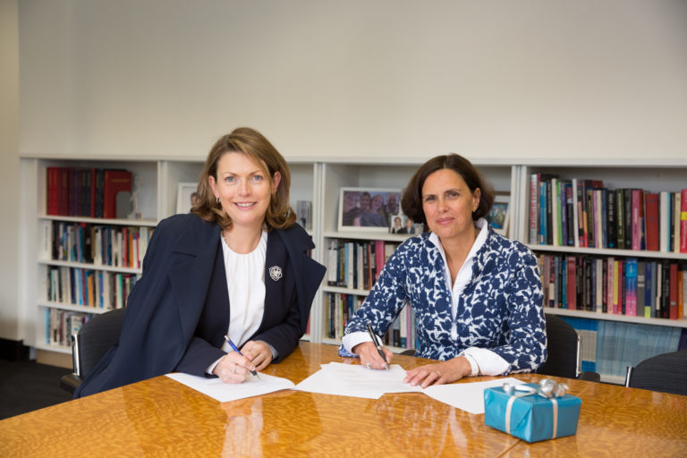 ISIT Paris and the Faculty of Arts sign an MoU and a SEA