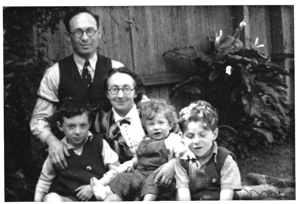 Sender and Faige Burstin with (left to right) Ben, David the toddler and Maurice, 1939