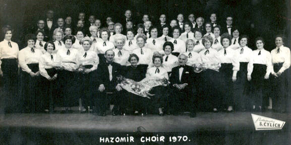 The Hazomir Choir performs in concert 1970
