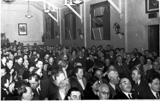 A full house at the Kadimah in Lygon Street Carlton, 1950