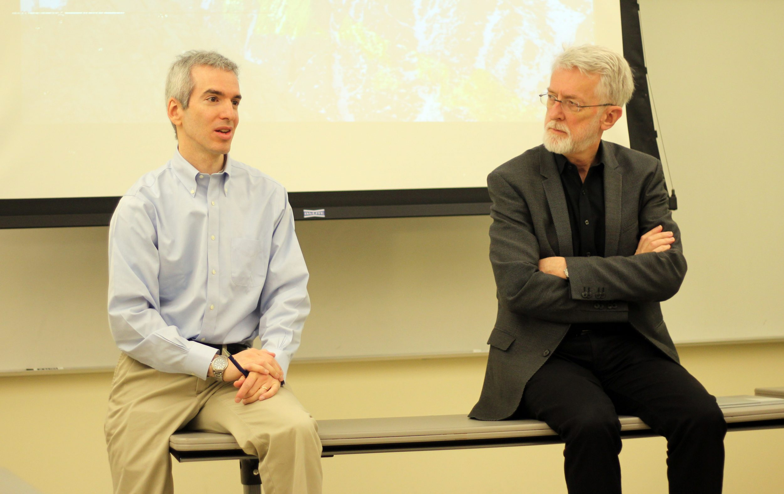 Students enjoyed an excellent presentation from CUNY's journalism lecturers Jeff Jarvis and Jeremy Caplan.