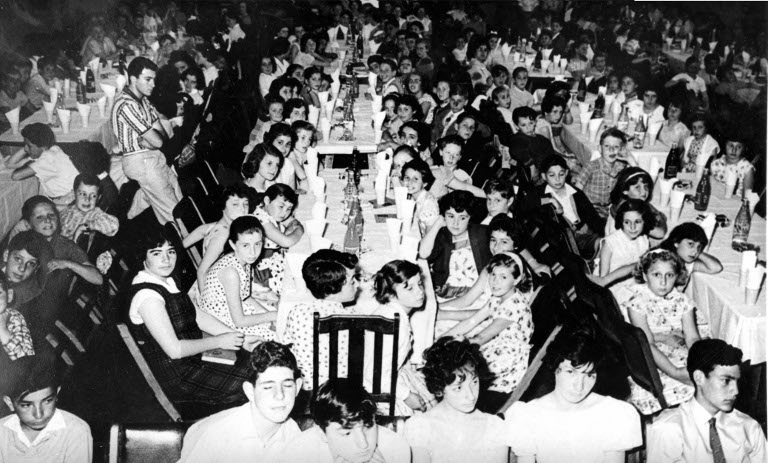 Children at the I.L. Peretz School annual breakup party and speech day, December 1960